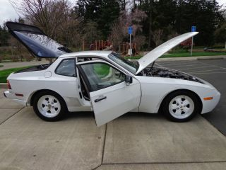 1986 Porsche 944 Turbo Coupe 5 Speed photo