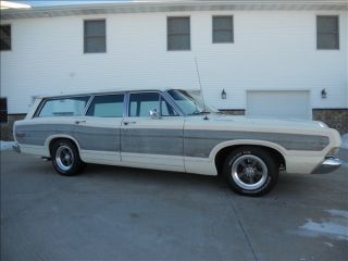 1968 Ford Ltd Country Squire Station Wagon - photo
