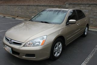 Don ' T Miss Out On This Gold 2006 Honda Accord Ex - L photo
