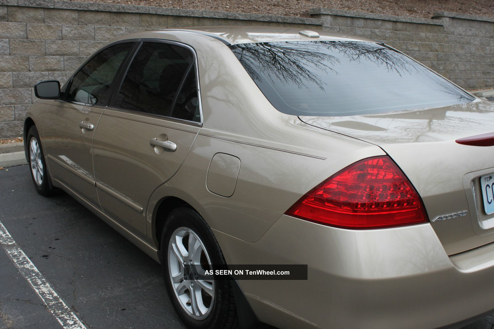 Don T Miss Out On This Gold Honda Accord Ex L Lgw
