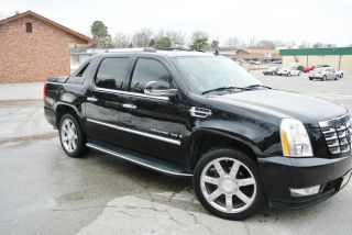 2007 Cadillac Escalade Ext Black 6.  2l Awd Completely Loaded With 22inch Rims photo