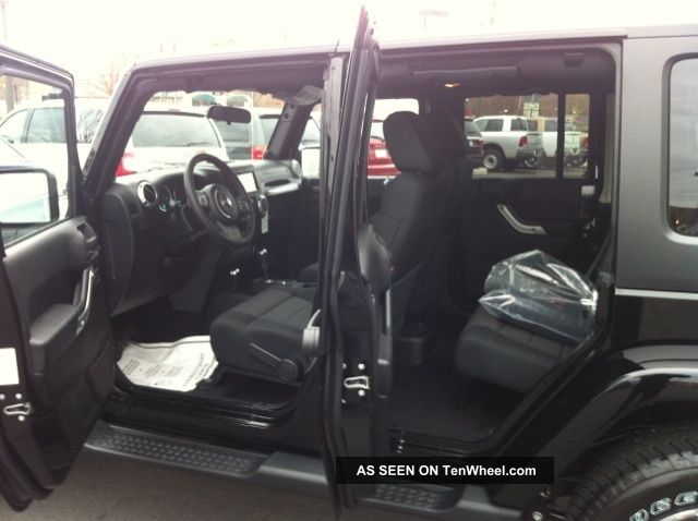 mid size suv with most leg autos post. Black Bedroom Furniture Sets. Home Design Ideas