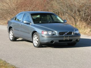 2002 Volvo S60 Awd Sedan 4 - Door 2.  4l photo