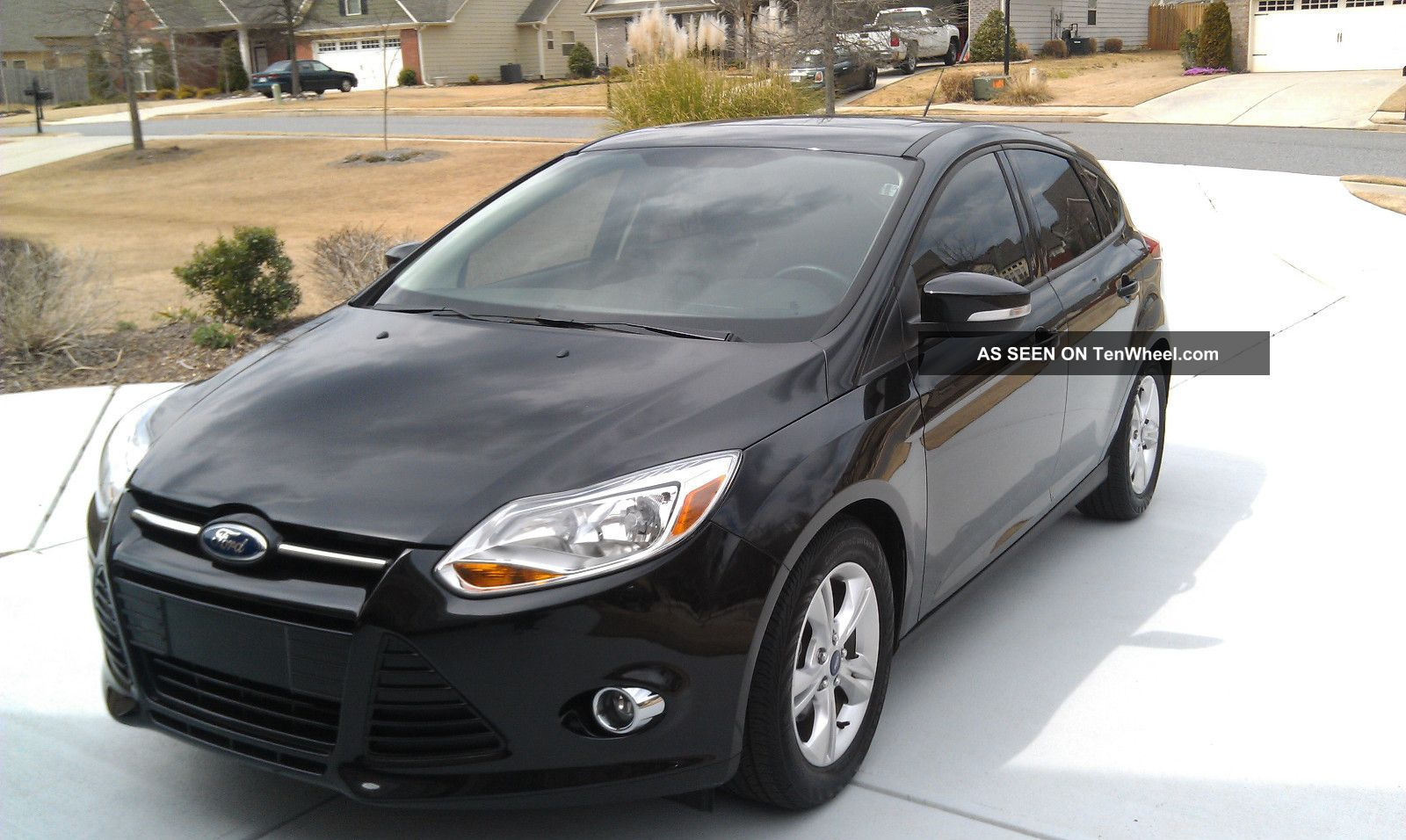 2012 ford focus se hatchback 4 door 2 0l. Black Bedroom Furniture Sets. Home Design Ideas