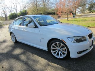 2009 Bmw 328i Sedan 4 - Door 3.  0l - Nearly Perfect,  Well Maintained,  A Winner photo