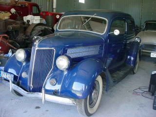 1936 Ford 2 Door Sedan Humpback photo