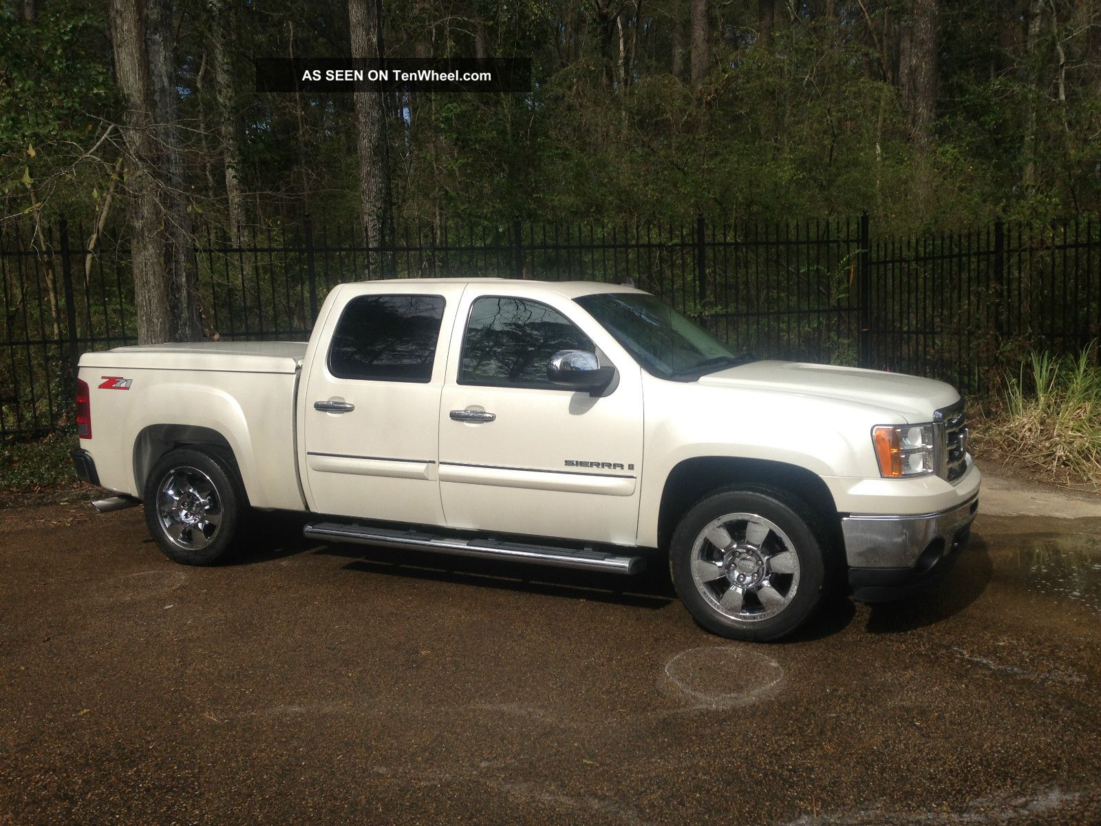 2009 gmc sierra 1500 slt crew cab z71 white diamond edition loaded 2x4. Black Bedroom Furniture Sets. Home Design Ideas