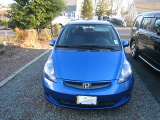 2007 Honda Fit Base Hatchback 4 - Door 1.  5l photo
