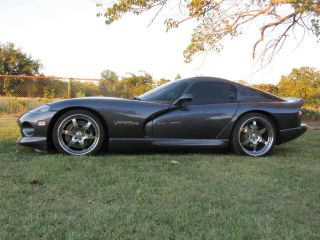 "2000 Dodge Viper Gts With 650r Venom Package By Hennessey ""one Bad Snake"" photo"