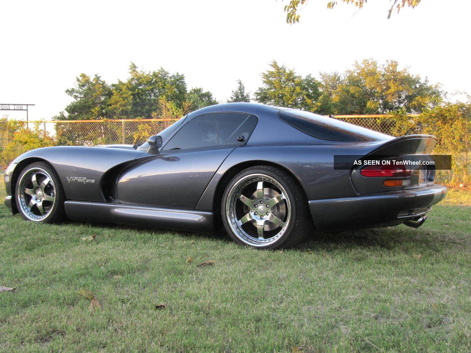 Dodge Challenger Sxt likewise Dodge Challenger further 3359 2000 dodge viper gts with 650r venom package by hennessey one bad snake also 21 besides Porsche Logo Wallpapers. on 2000 dodge viper black