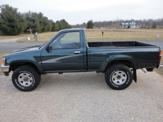 1995 Toyota Truck 4x4 4wd 4 Cylinder 5 Speed Pre Tacoma Hilux Truck photo