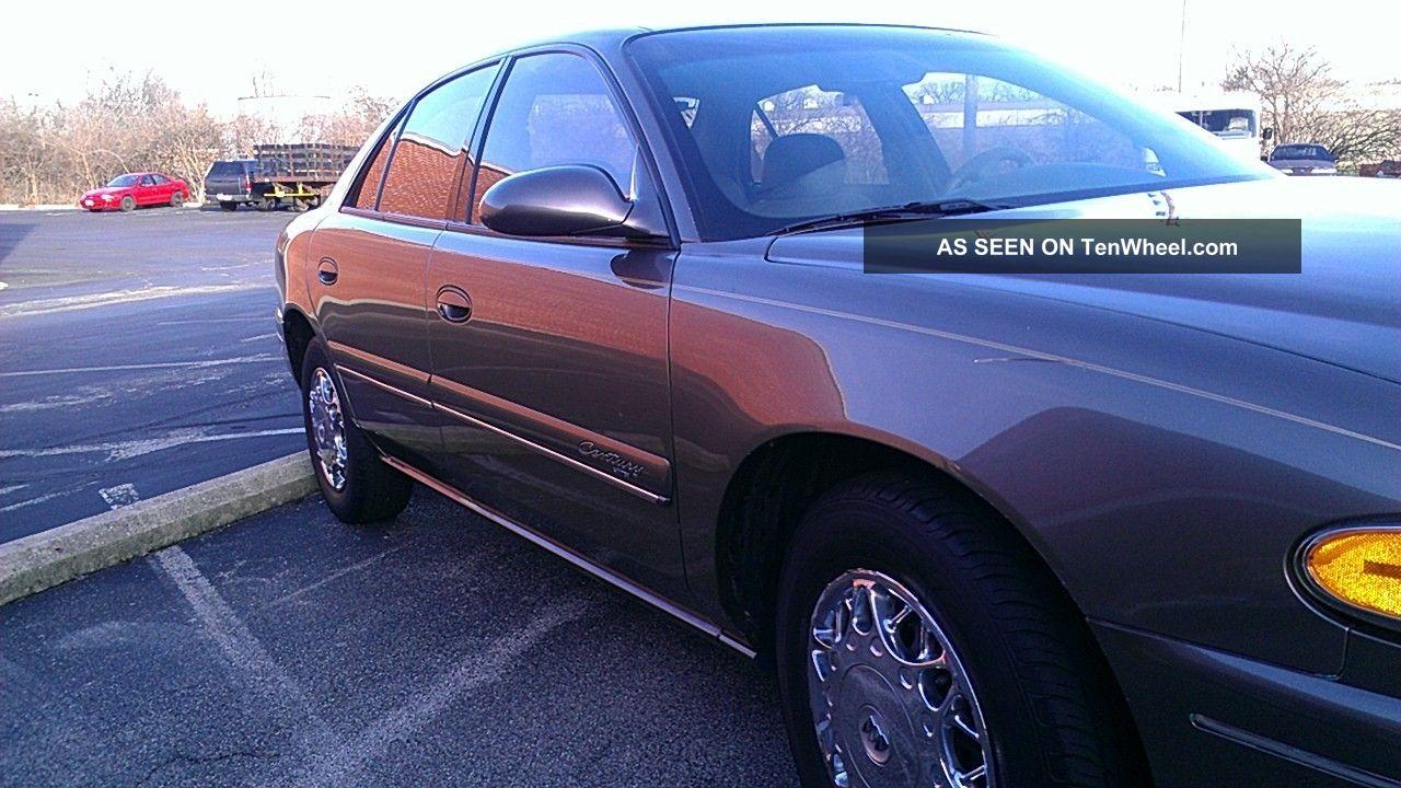 2002 Buick Century Limited Sedan 4 - Door 3.  1l Century photo