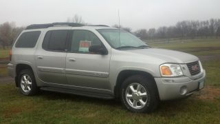2004 Gmc Envoy Xl Slt Sport Utility 4 - Door 4.  2l photo