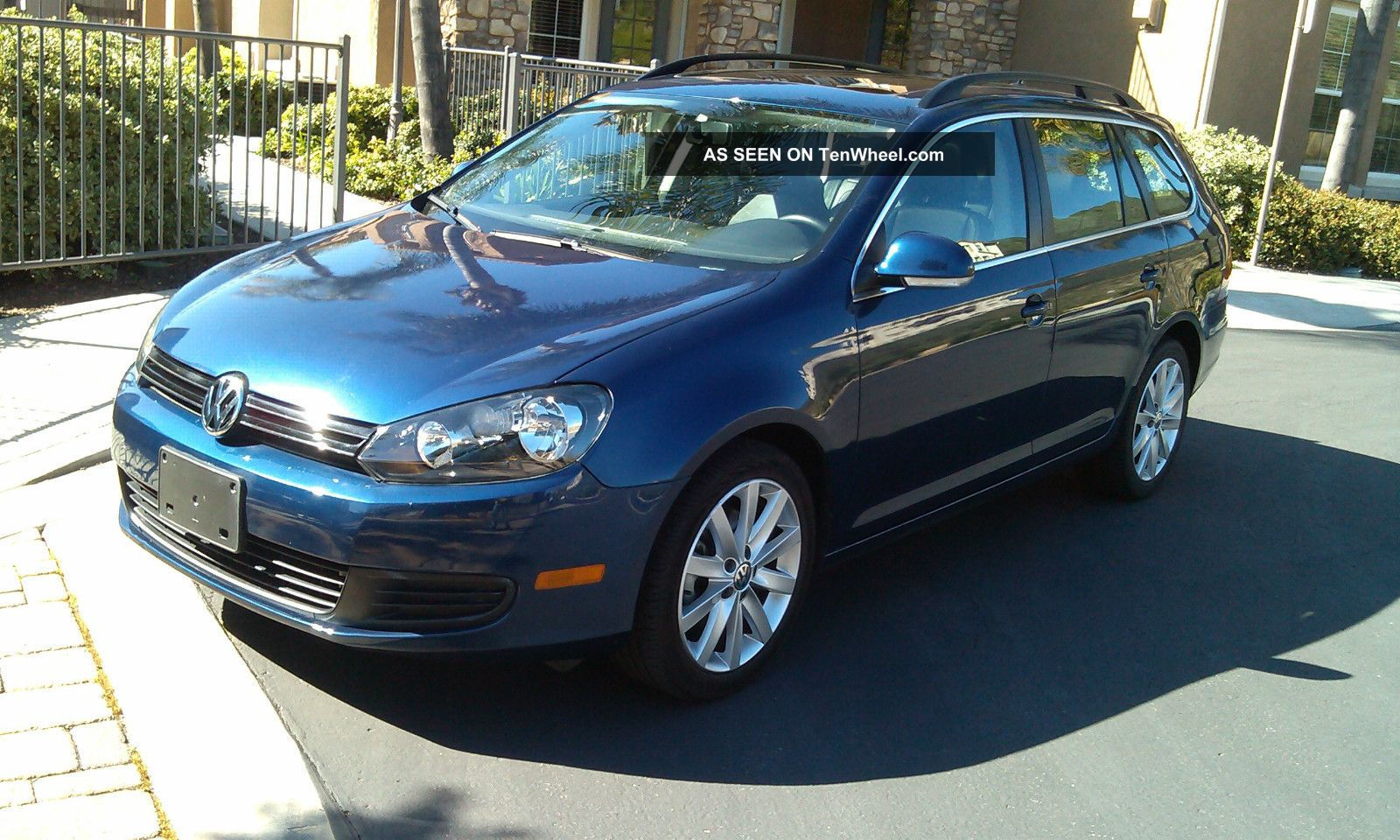2011 Volkswagen Jetta Se Wagon 4 - Door 2.  5l Jetta photo