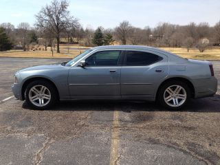 2006 Dodge Charger R / T Sedan 4 - Door 5.  7l photo
