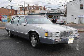 1990 Cadillac Fleetwood Base Sedan 4 - Door 4.  5l photo