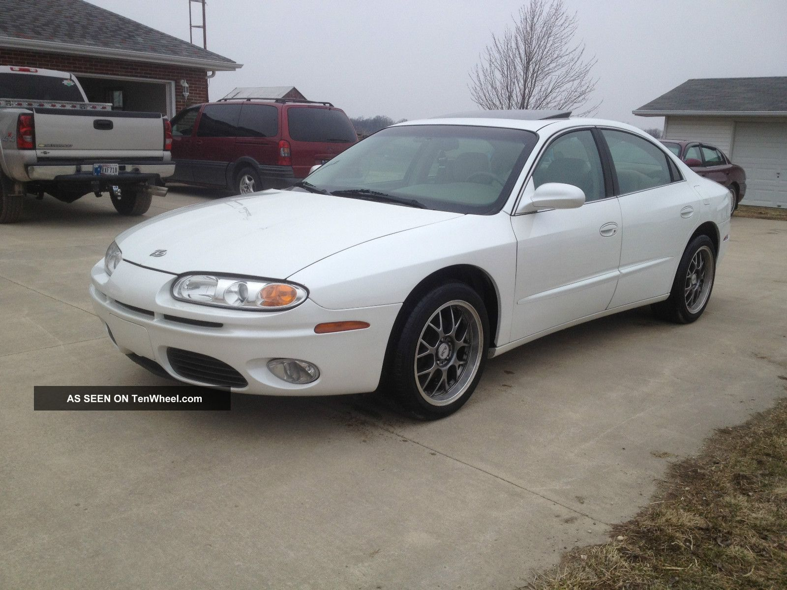 2001 Oldsmobile Aurora 4.  0l V8 Loaded And More Aurora photo