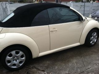 2003 Volkswagen Beetle Convertible Automatic Very photo