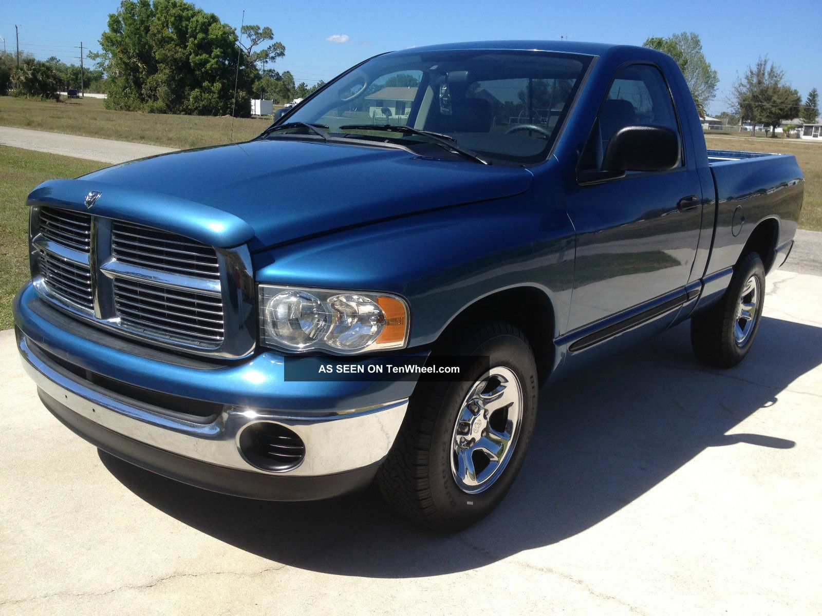2005 dodge ram 1500 st standard cab pickup 2 door 3 7l. Black Bedroom Furniture Sets. Home Design Ideas