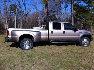 2005 Ford 4x4 Dually Custom Lariet Duty Power Stroke Turb0 B&w photo