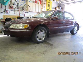 2001 Lincoln Continental Base Sedan 4 - Door 4.  6l photo