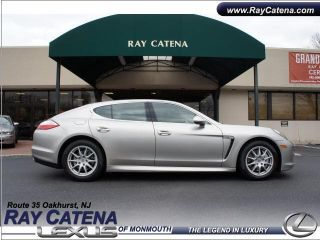 2010 Porsche Panamera 4s Hatchback 4 - Door 4.  8l photo