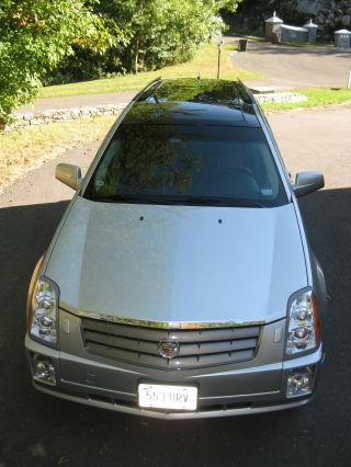 2005 Cadillac Srx Base Sport Utility 4 - Door 4.  6l photo