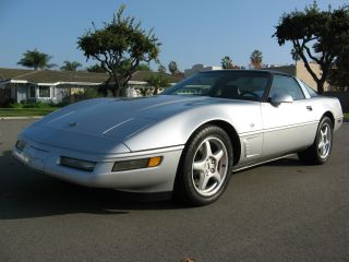 Chevrolet Corvette Collector S Edition Hatchback Door L Thumb Lgw on 2003 Chevy Lumina Z34
