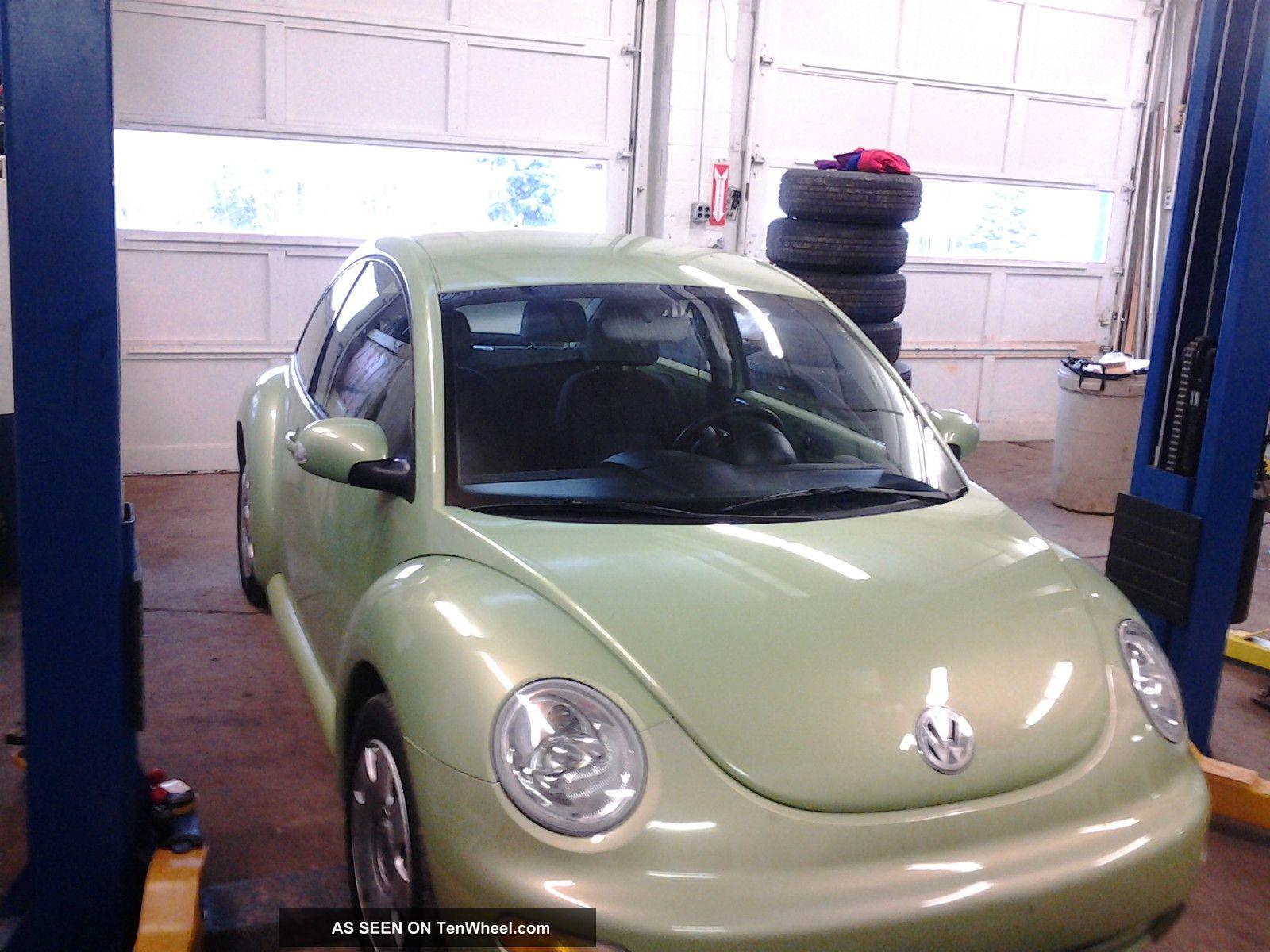 2004 Volkswagen Beetle Gl Hatchback 2 - Door 2.  0l Beetle-New photo