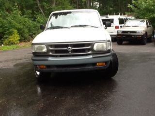 1995 Mazda B2300 Base Extended Cab Pickup 2.  3l - 5 Speed Gas Saver - photo