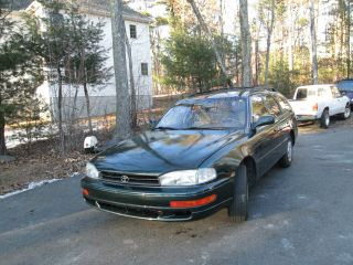 1994 Toyota Camry Le Wagon 4 - Door 2.  2l -,  Runs And Drives Great. photo