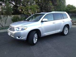 2008 Toyota Highlander Hybrid Limited Sport Utility 4 - Door 3.  3l photo