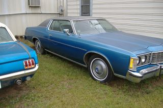 1973 Ford Ltd Brougham Hardtop 2 - Door 5.  8l photo