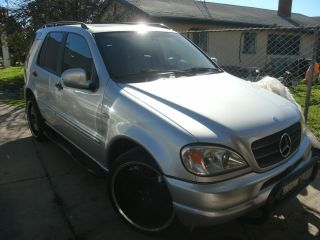1999 Mercedes - Benz Ml430 Base Sport Utility 4 - Door 4.  3l photo