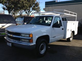2000 Chevrolet 3500 Work Truck 5.  7 Liter photo