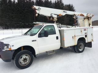 2002 Ford F - 450 Duty Bucket Truck photo