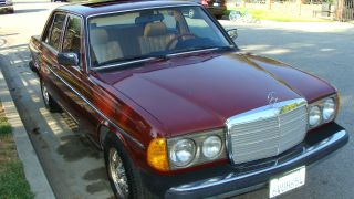 1983 Mercedes 300d / 240d Diesel W123 Manual Transmission photo