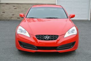 2011 Hyundai Genesis Coupe 2dr 2.  0t Auto photo