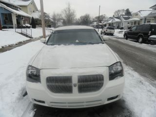 2007 Dodge Magnum Sxt Wagon 4 - Door 3.  5l photo