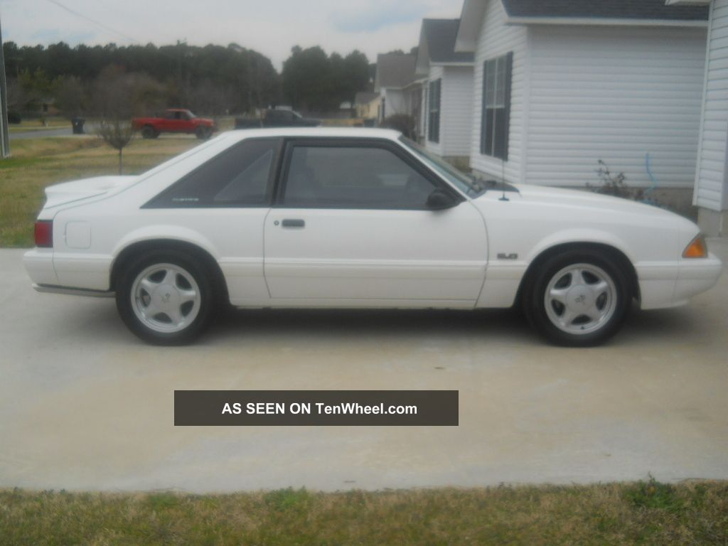 1993 Ford Mustang Lx Hatchback 2 - Door 5.  0l Mustang photo