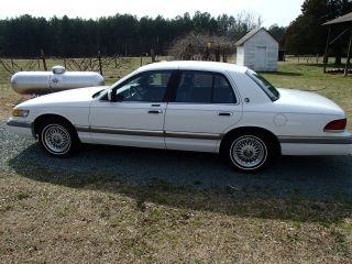 1992 Mercury Marquis Very Well Cared For photo
