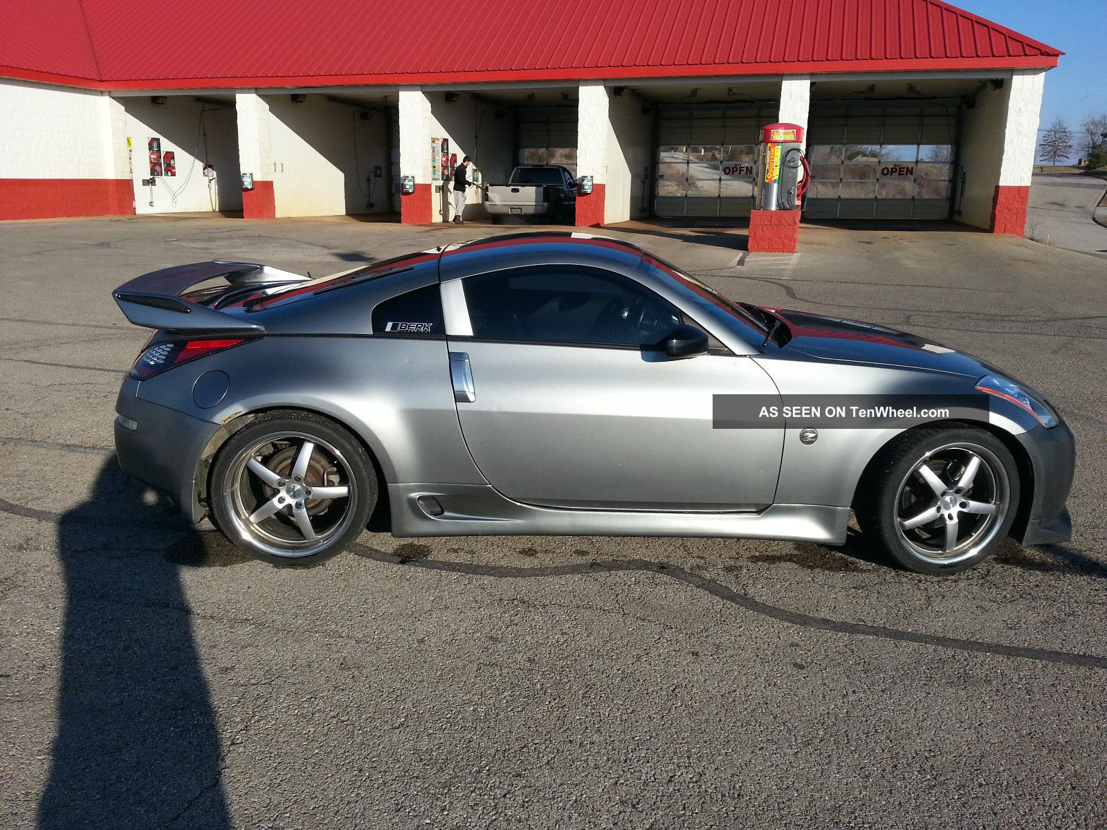 2004 Nissan 350z Touring Coupe 2 - Door 3.  5l 350Z photo