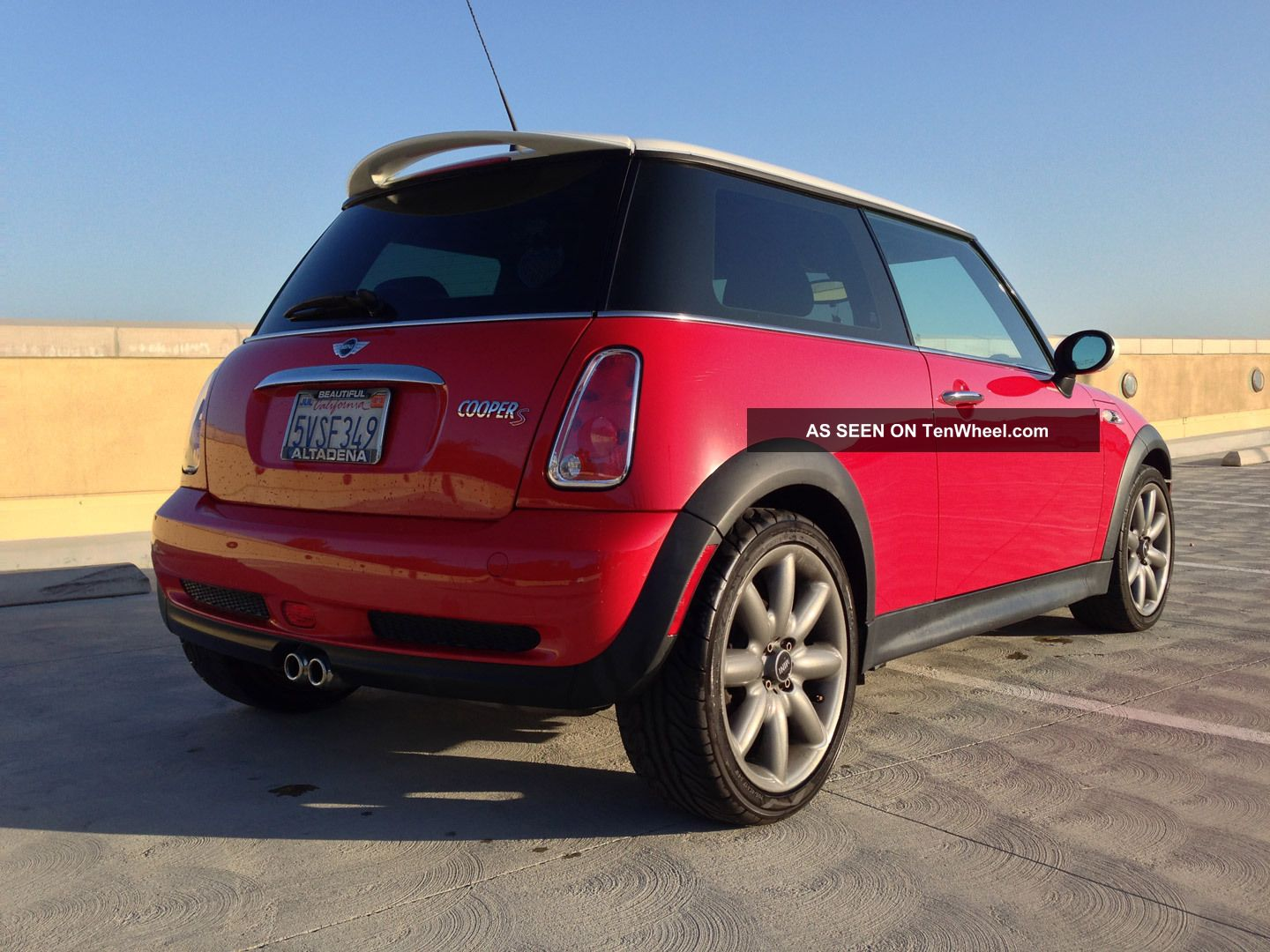 2006 mini cooper s supercharged chili red white 6speed. Black Bedroom Furniture Sets. Home Design Ideas