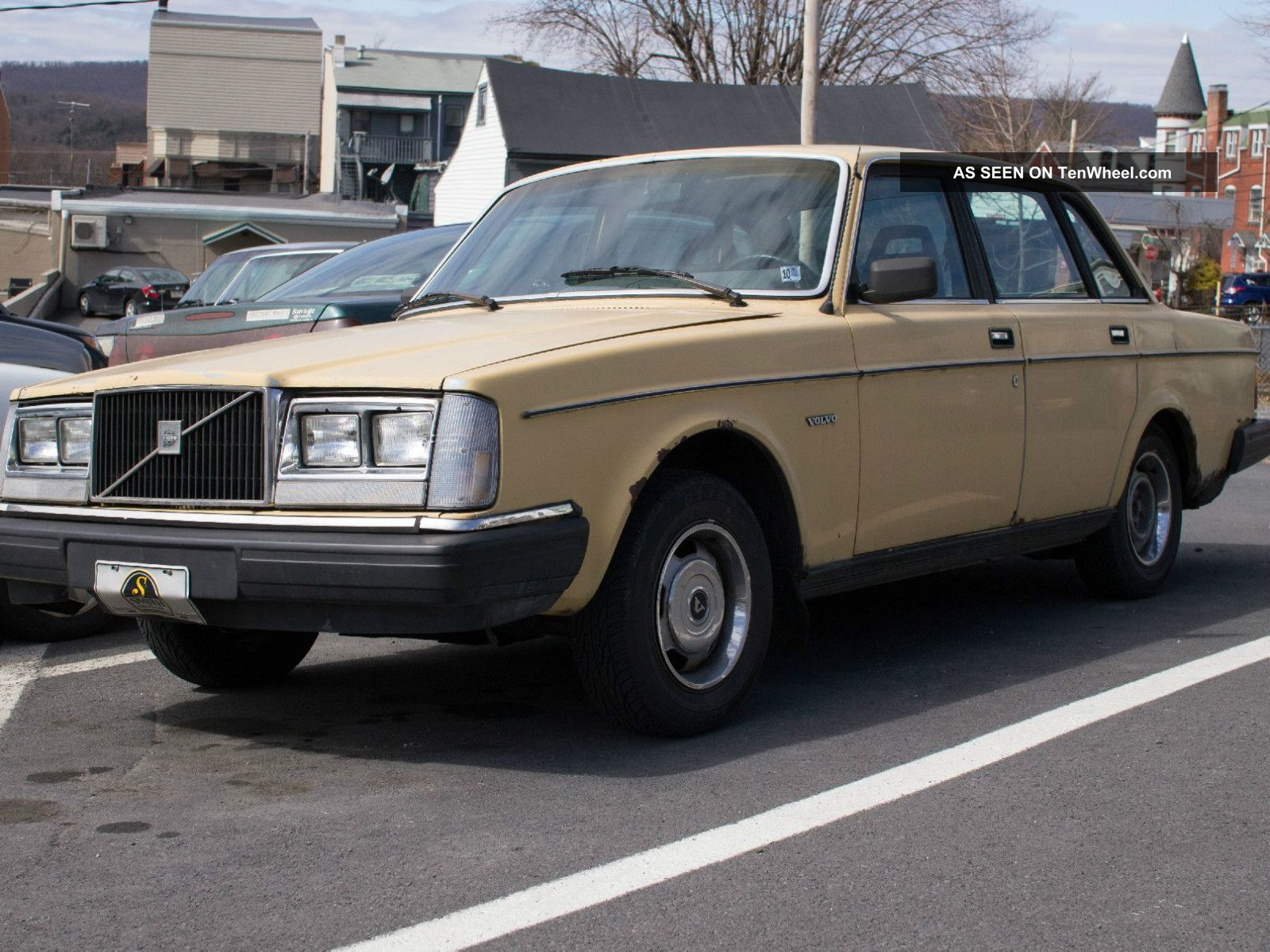1983 Volvo 240 Great Project Car