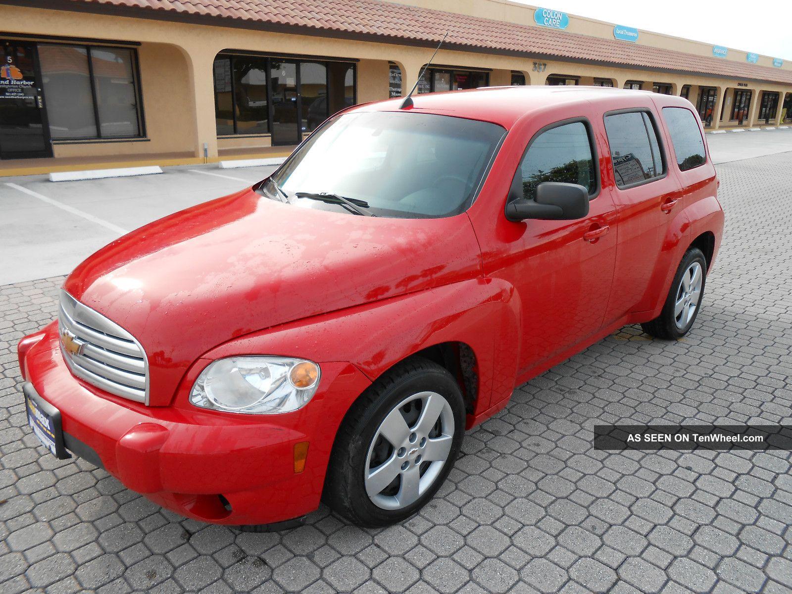 2011 Chevrolet Hhr Ls Wagon 4 - Door 2.  2l HHR photo