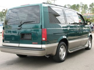 2001 Gmc Safari Sle Extended Passenger Van 3 - Door 4.  3l photo