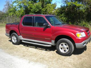 2001 Ford Explorer Sport Trac.  4x4 4wd photo