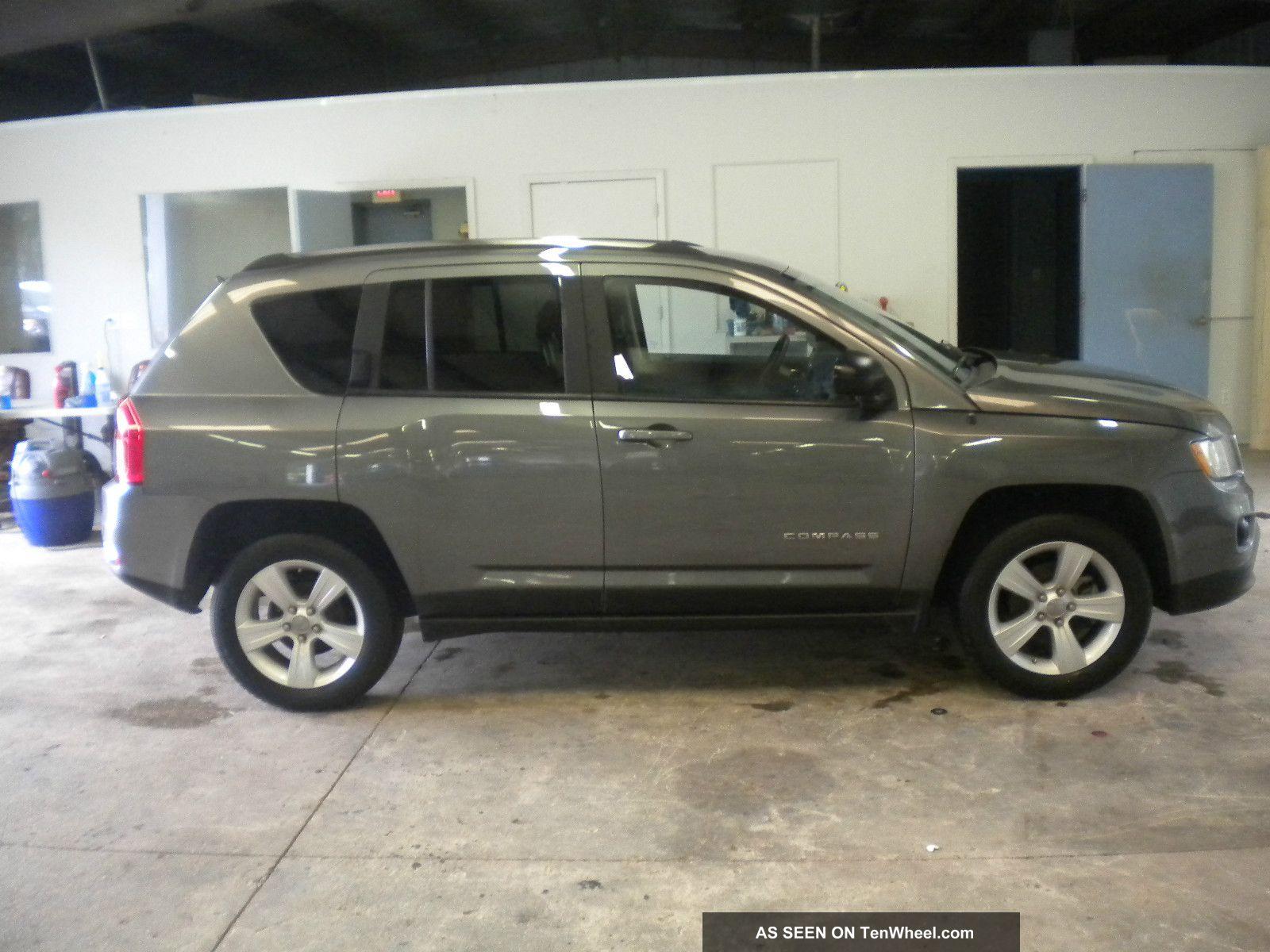 2011 jeep compass 4x4 4 wheel drive rebuildable project car. Black Bedroom Furniture Sets. Home Design Ideas