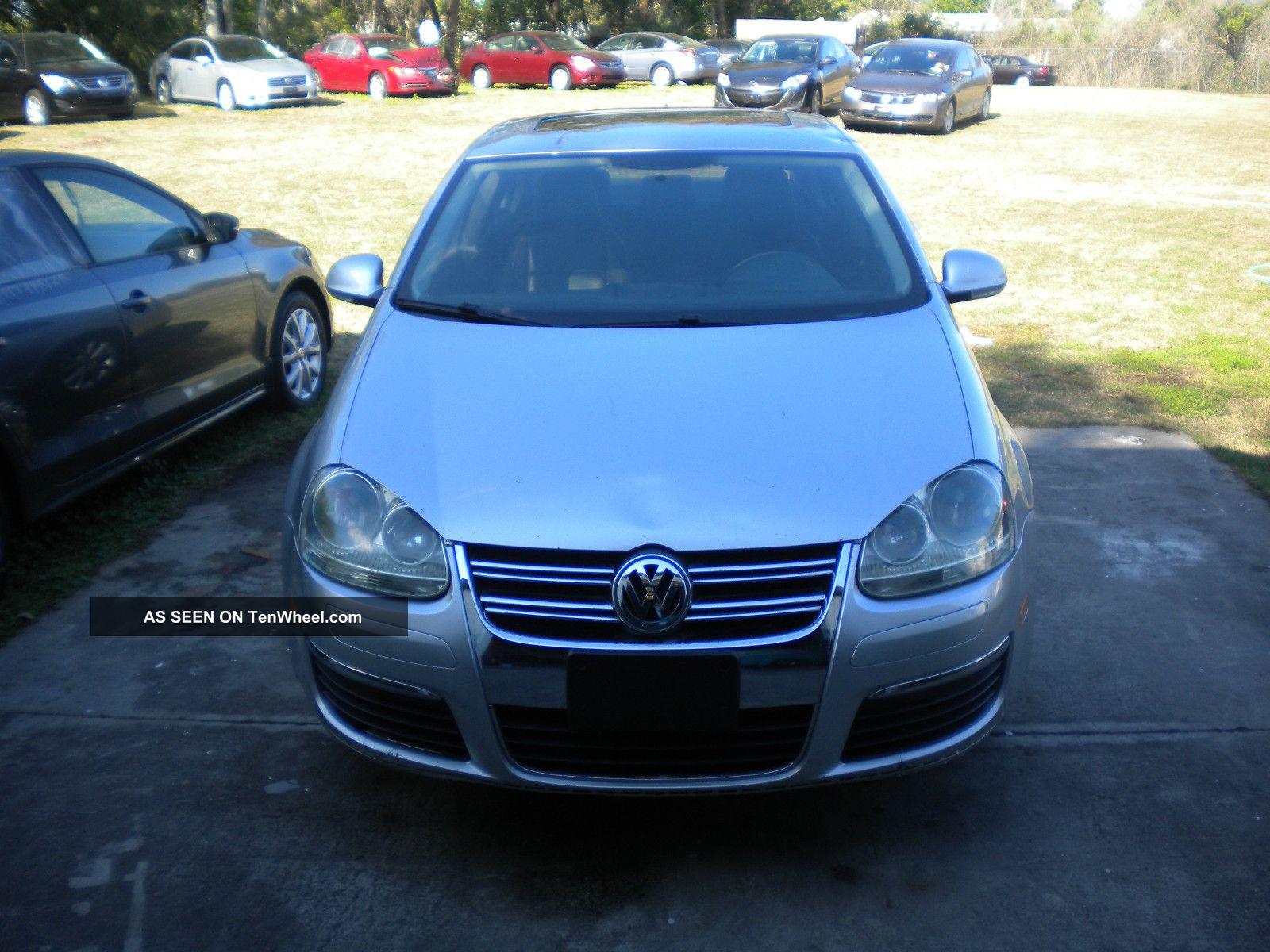 2010 Volkswagen Jetta - Rebuildable Project Car - Jetta photo