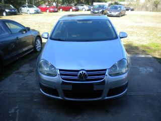 2010 Volkswagen Jetta - Rebuildable Project Car - photo
